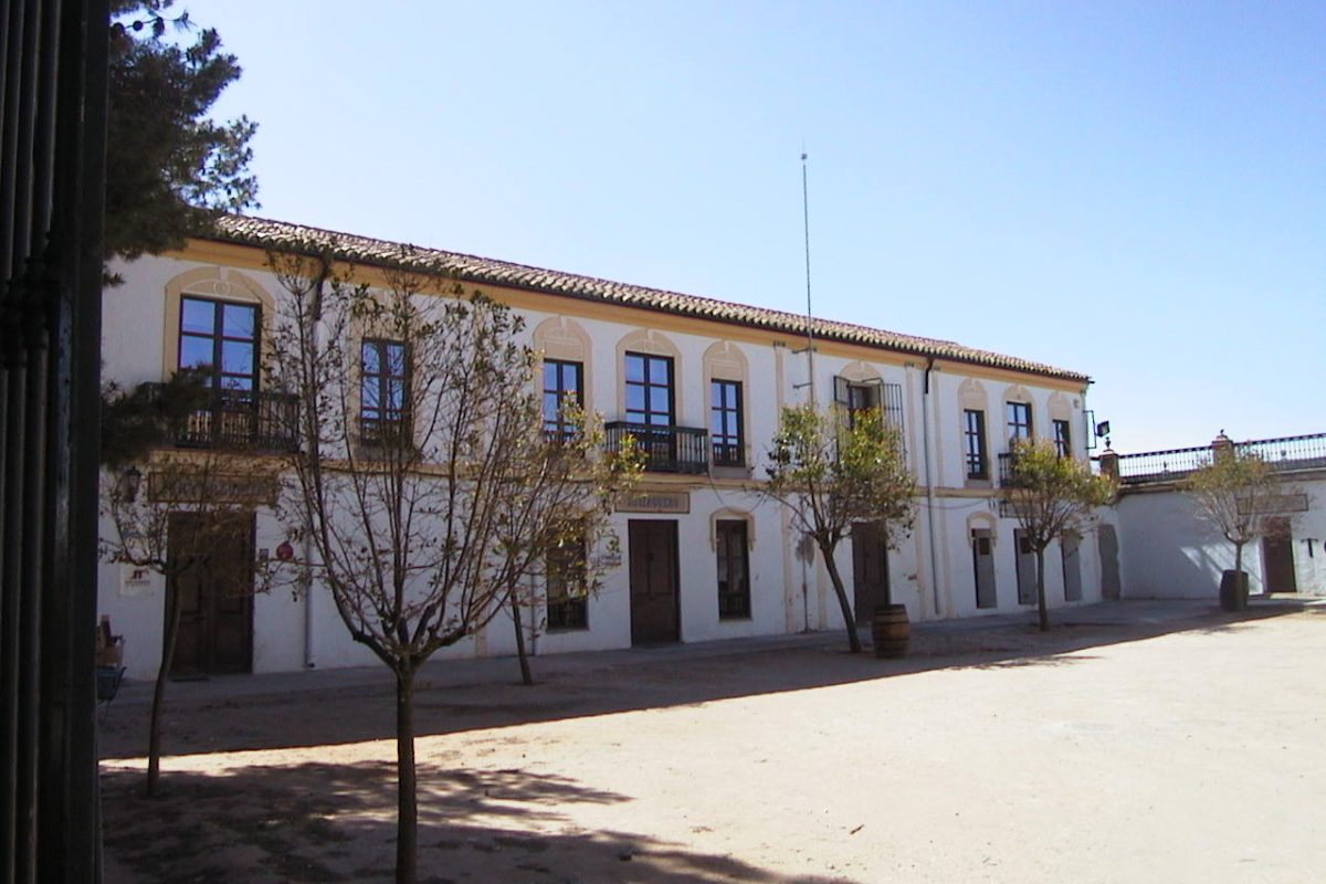 REHABILITACIÓN OFICINAS BODEGAS TORRE ORIA